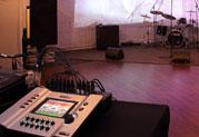 新しい形のライブハウス、ヒソミネがStageScape M20dを導入