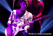 Cory Churko rock <em>plus</em> encore avec la James Tyler Variax