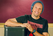 Jason Mraz Finds Inspiring Live Sound with Line 6 StageSource